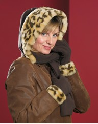 Faux Fur Trim Fleecy Hood Scarf Gloves