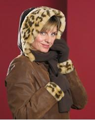 Faux Fur Trim Fleecy Hood Scarf Gloves