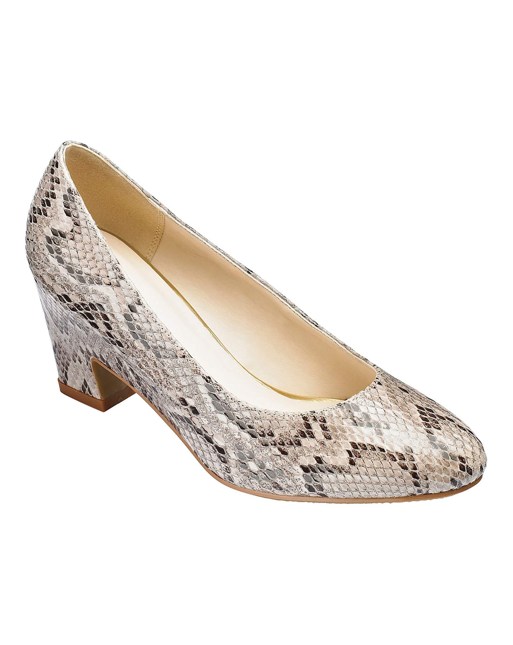 Discount Heavenly Soles Court Shoes Wide E Fit hot sale