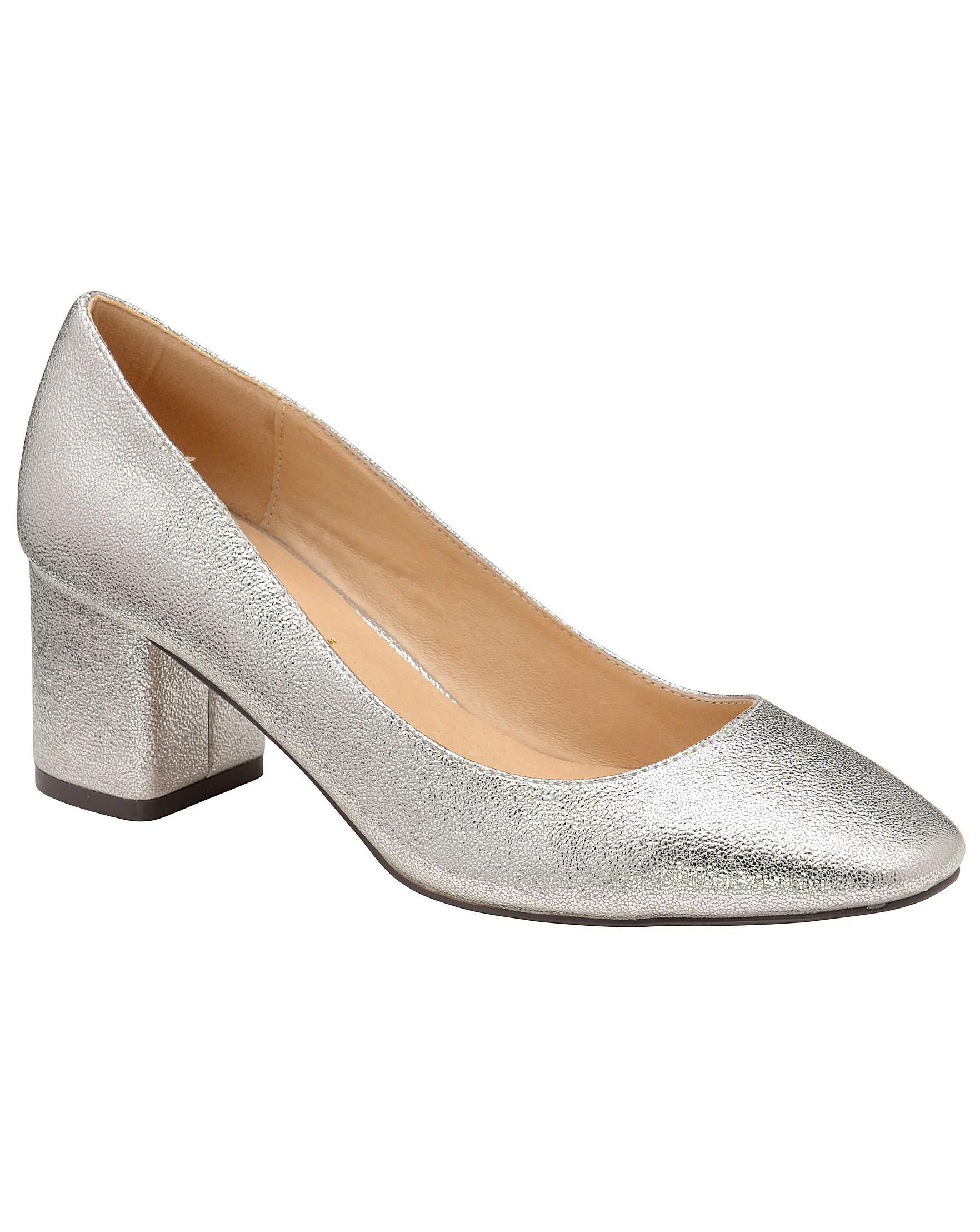 af7e467b89e6 Ravel Barton Block Heel Court Shoes