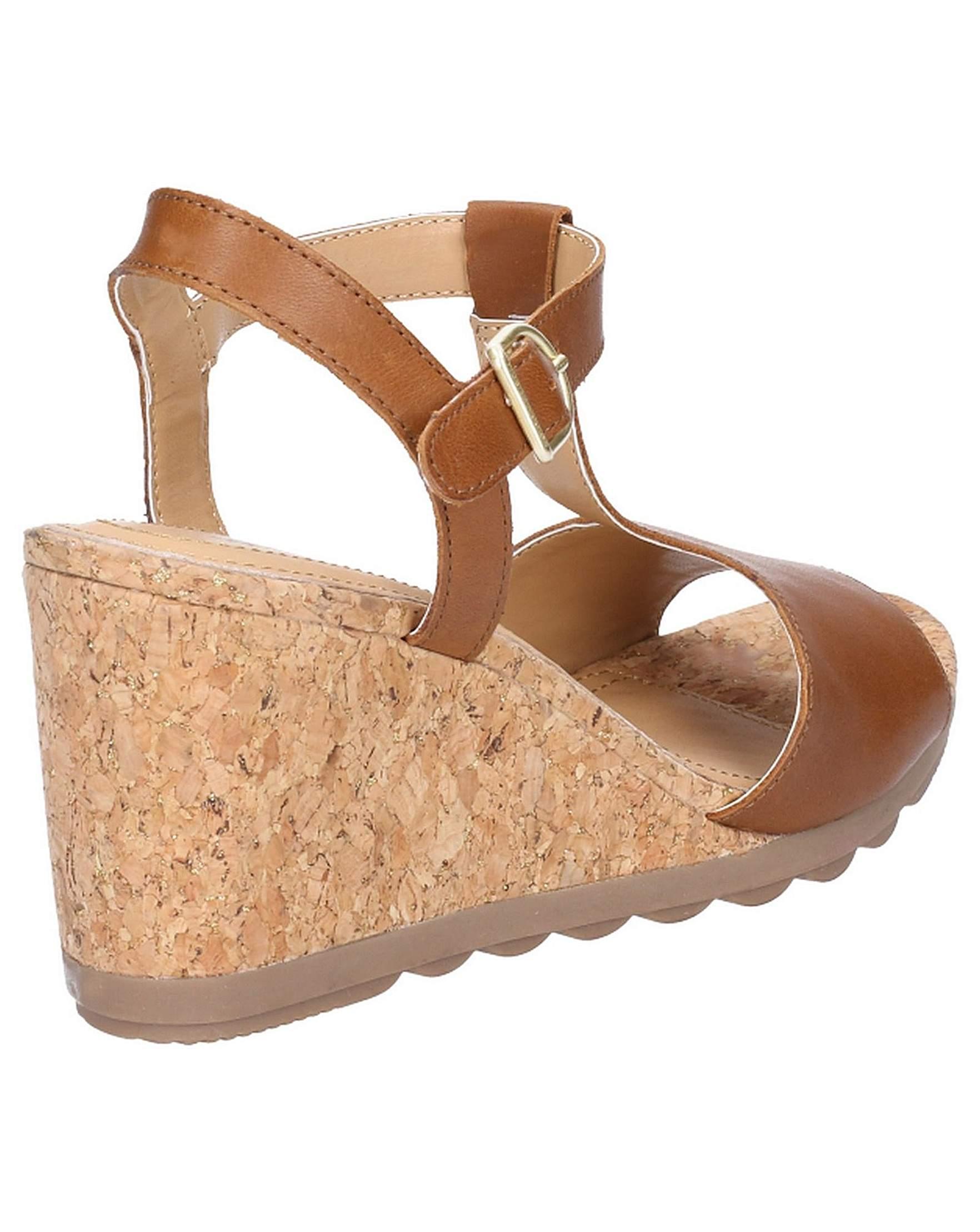 816c4df57022f Hush Puppies Pekingese Tstrap Sandal | Simply Be