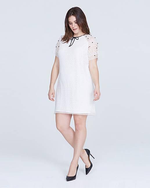 8534bd3cec55fb Elvi Embellished Lace Dress | Oxendales