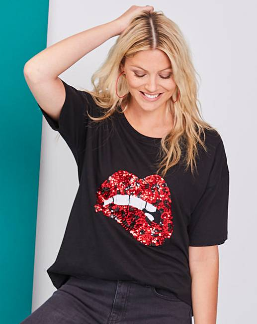 db22a59e6e43 Black/ Red Animal Sequin Lips Top   Fashion World