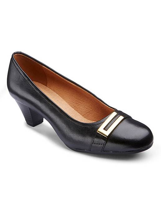 b58dbf752aa Clarks Fearne Shine Court Shoes EE Fit