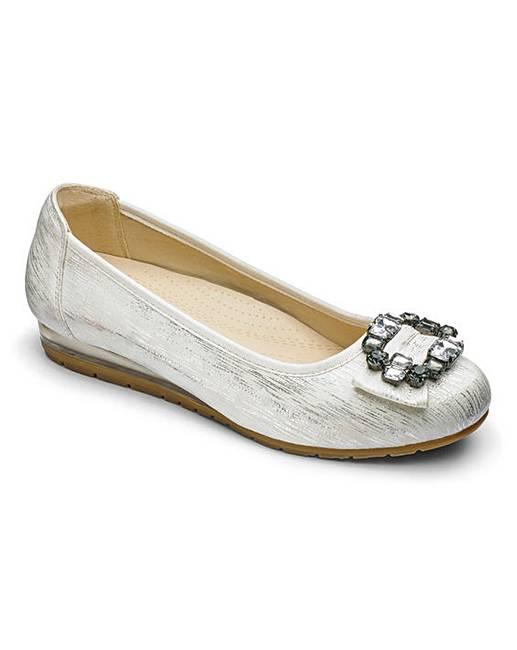 a423cfa49f8 Heavenly Soles Trim Shoes E Fit