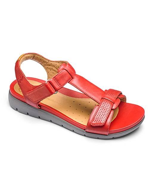 9a75b5ed57b Clarks Un Haywood T Bar Sandals E Fit