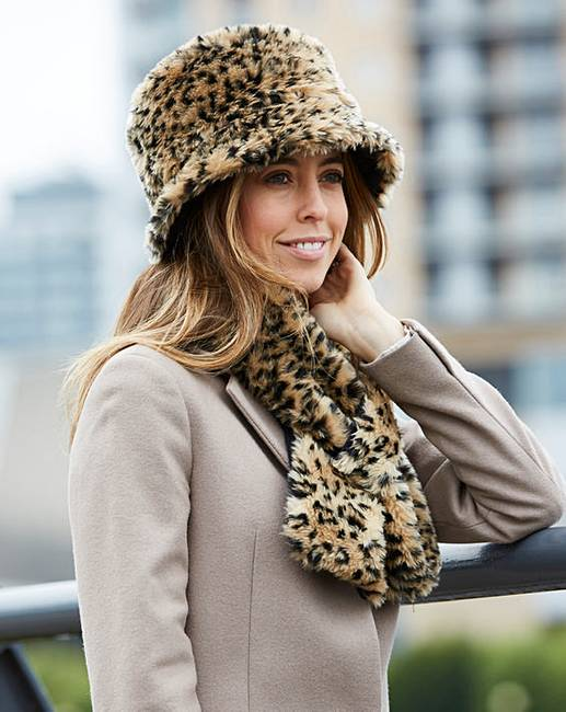 d2924d3438387 Faux Fur Animal Print Hat and Scarf Set. Rollover image to magnify