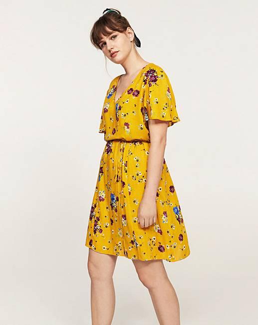 d2b955c1092 Violeta by Mango Floral Tea Dress