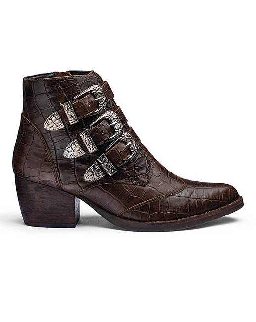 73446c95702 Sole Diva Western Boots E Fit