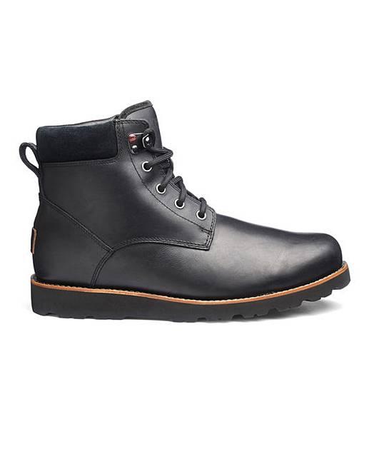 f67616f8f2c UGG Seton Boots