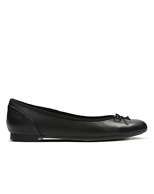 03454457fa91 Clarks Couture Bloom E Fitting