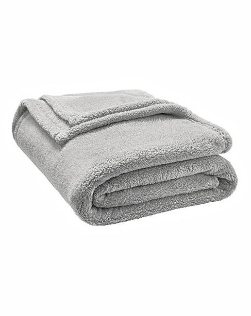 7ecb2b05 Supersoft Cuddle Fleece Throw | J D Williams