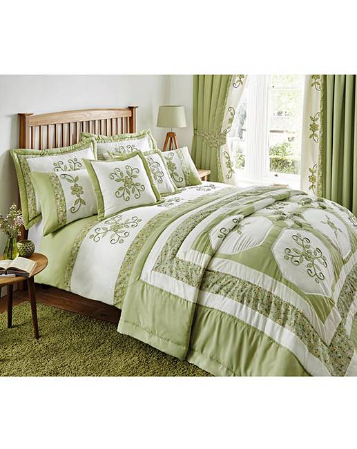Bedspreads.Willow Puffball Bedspread
