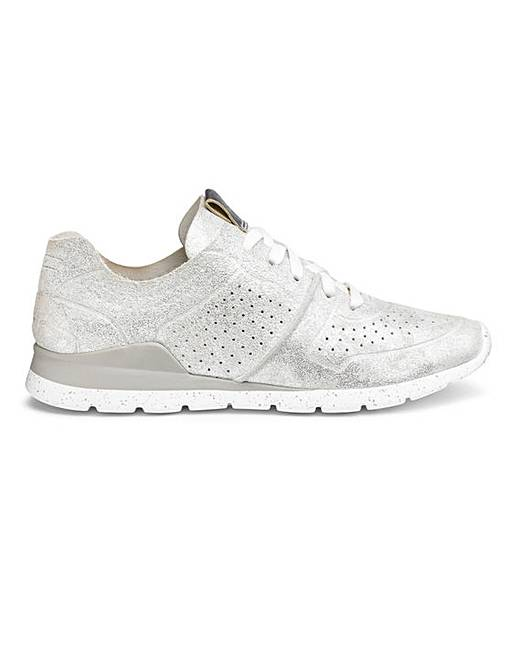 1a8d3aced26 Ugg Tye Stardust Trainer