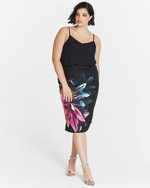 b34bb5ff53 Oasis Photographic Lily Pencil Skirt | Simply Be