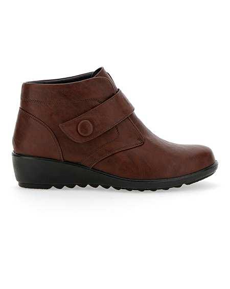 3e86ce061fb89 Womens Boots - Flat & Heeled Wide Fit & Leg   J D Williams
