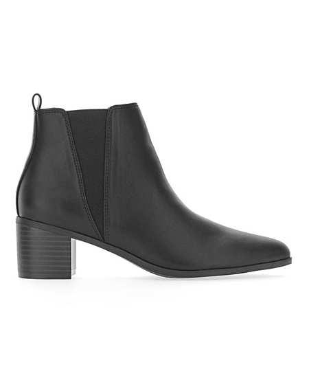 Black | Boots | Footwear | Marisota
