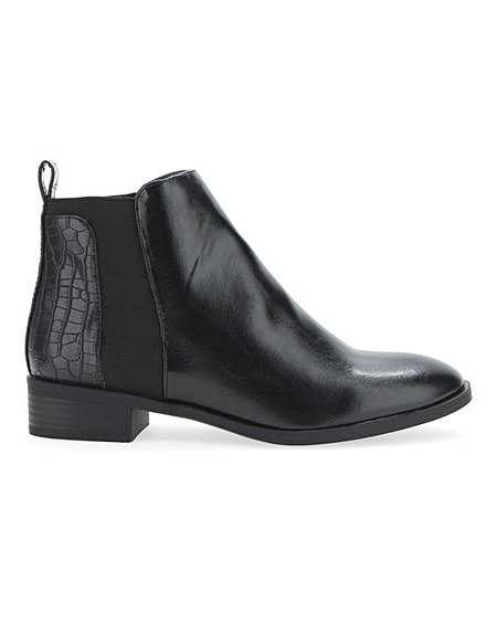 buy popular 8d0a8 5978b Women's Wide Fit Shoes | Boots, Flats & Heels | Simply Be
