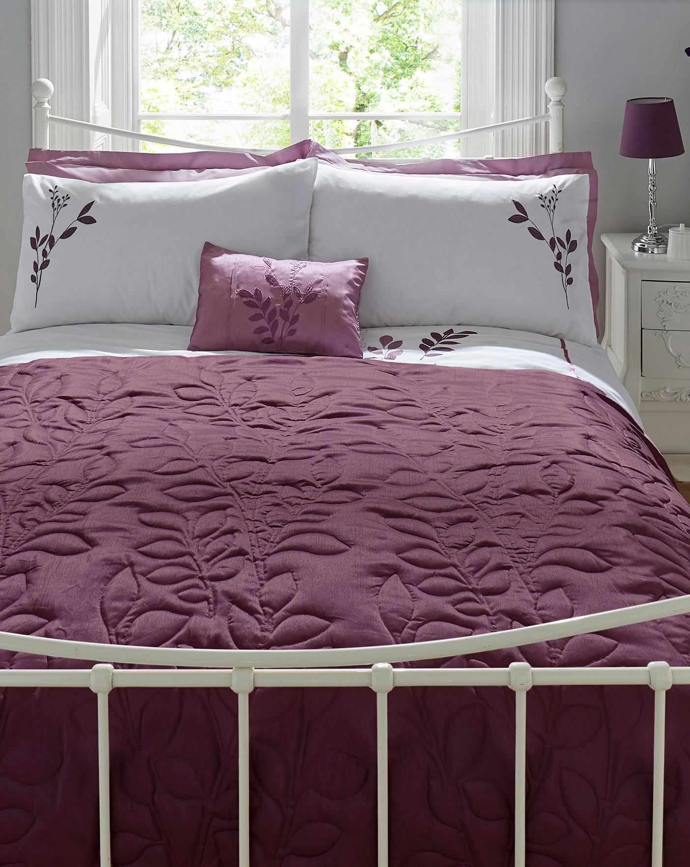 Emilie Bedroom Collection: Emily Embellished Quilted Throwover