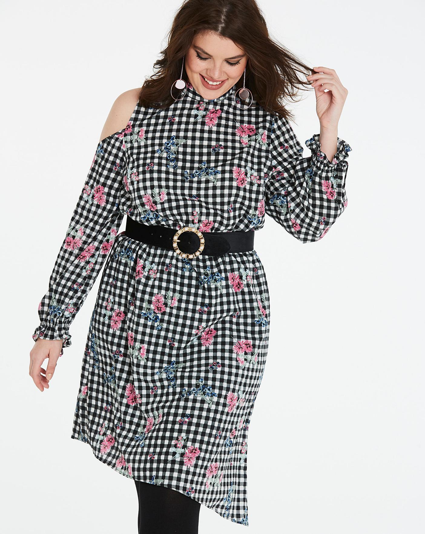 Dress Code{Contrast Collar Dress + Gingham Coat} Closet