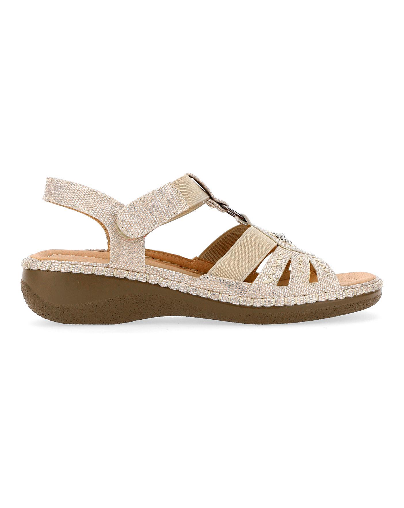 Cushion Walk Strappy Sandals E Fit   J