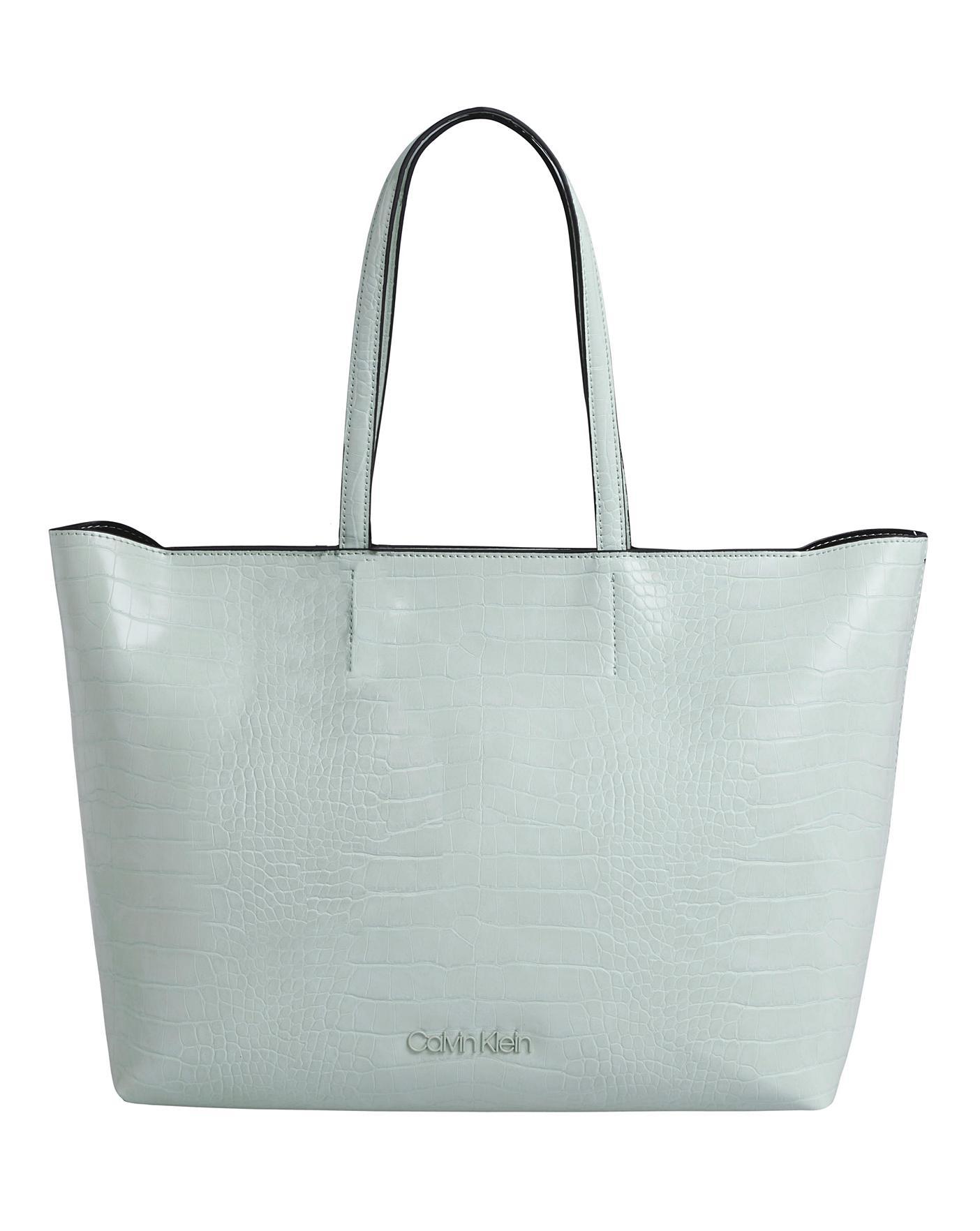 utlopp till salu anländer fler foton Calvin Klein Croc Shopper Petal Green   Marisota