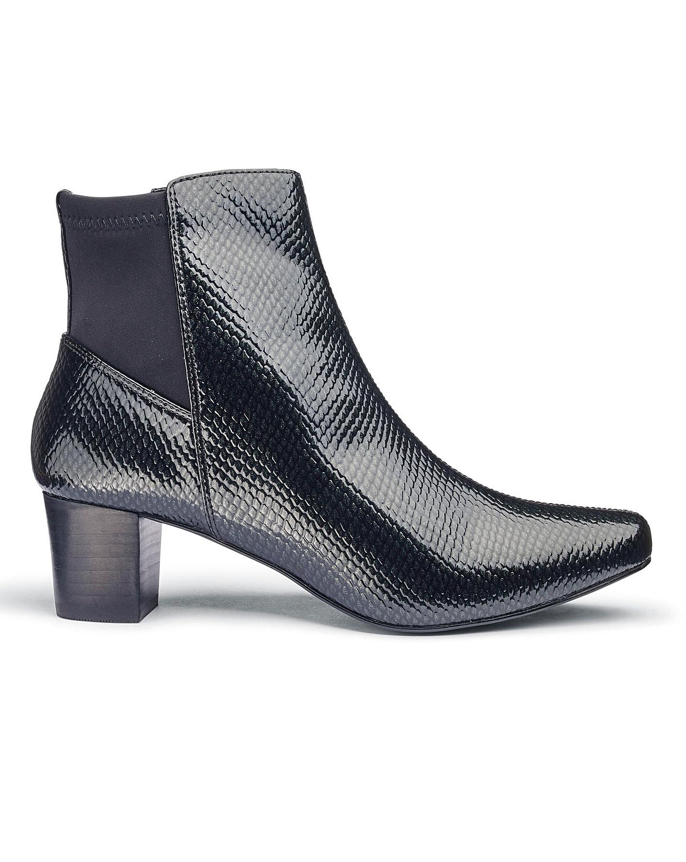 805e438ce8 E fit ladies ankle boots. LADIES CLARKS BLACK LEATHER ANKLE BOOT E ...