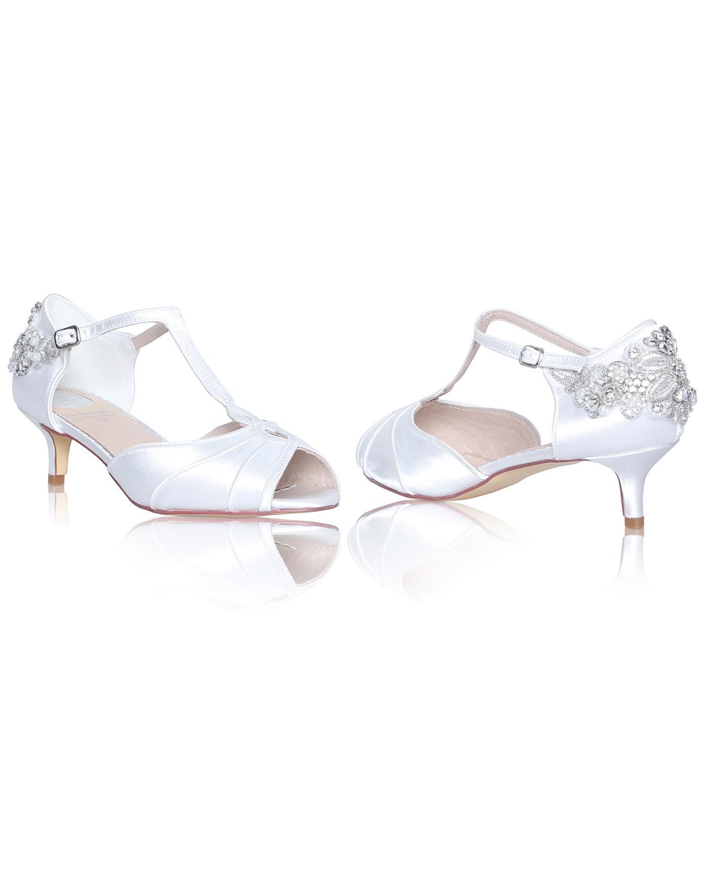 9c89b37708e4c Perfect Georgie Low Heel Sandal | VivaLaDiva.com