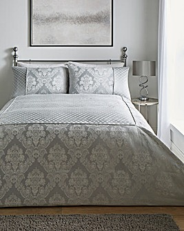 Windsor Jacquard Silver Bedspread