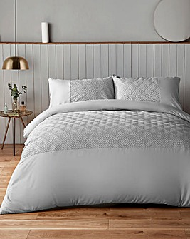 Silentnight Chevron Embossed Silvet Duvet Set