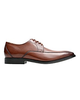 Clarks Gilman Mode Shoe Wide Fit