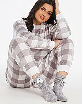 Pretty Secrets Luxury Super Soft Fleece Bundle with Socks