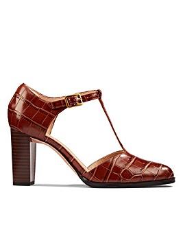 Clarks Kaylin85 TBar2 Standard Fitting Shoes