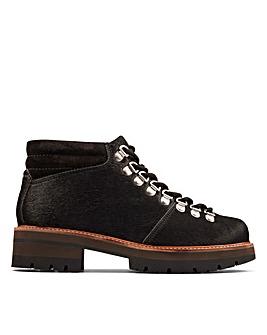 Clarks Orianna Alpine Standard Fitting Boots