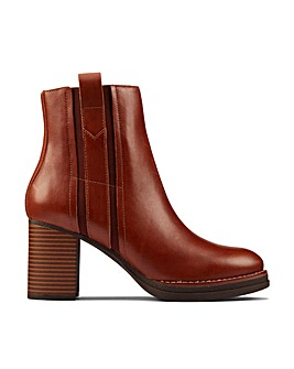 Clarks Mable Easy Standard Fitting Boots