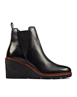 Clarks Clarkford Top Standard Fitting Boots