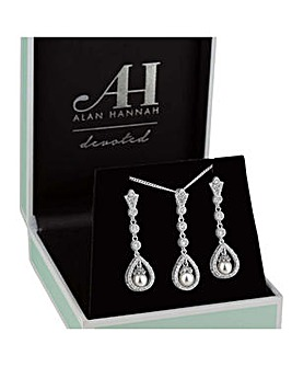 Alan Hannah Peardrop Pearl Jewellery Set