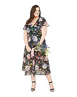 Yumi Curves Floral Midi Dress