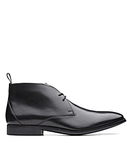Clarks Gilman Mid Wide Fitting