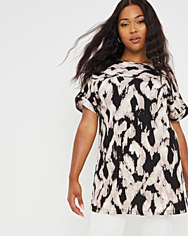 Blurred Print Longline Boxy Top With Front Seam and Tab Sleeve