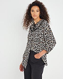 Animal Print Statement Collar Contrast Trim Shirt
