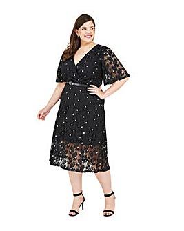 Yumi Curves Floral Lace Midi Dress