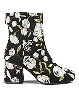 Callie Embroidered Boot E Fit