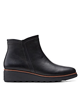 Clarks Collection Sharon Heights Standard Fitting Boots