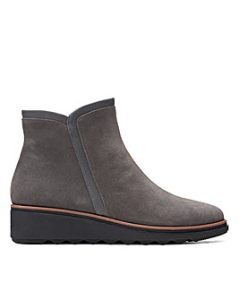 Clarks Collection Sharon Heights Wide Fitting Boots