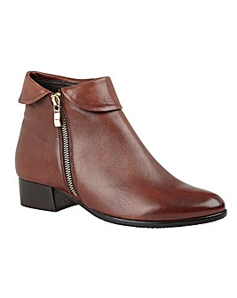Lotus Maggie Boots Standard D Fit
