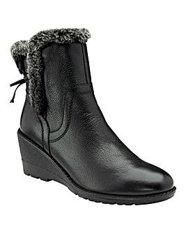 Lotus Stephanie Boots Standard D Fit