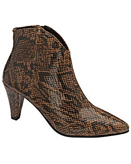 Ravel Levisa Ankle Boots Standard D Fit