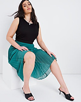 Green Pleated Midi Skirt with Black Waistband