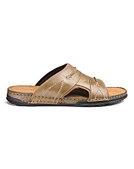 Leather Slider Sandal Standard Fit.